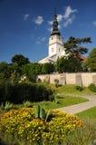 Igreja católica no mesto nad Vahom de Nove da cidade imagem de stock royalty free