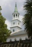 Igreja colonial branca da era Fotografia de Stock Royalty Free
