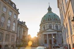 Igreja Copenhaga do ` de Frederik no por do sol fotos de stock