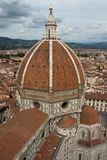 Igreja da catedral da basílica do domo, Firenze, vista do Bel de Giotto Imagem de Stock
