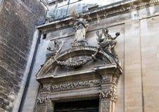 Igreja da entrada lateral de opinião do close up de Saint Irene, Lecce imagem de stock