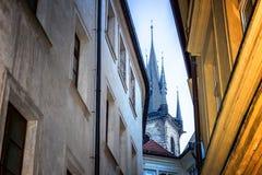A igreja da mãe do deus na frente de Týn Foto de Stock Royalty Free