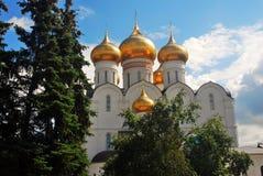 Igreja da suposição em Yaroslavl, Rússia fotografia de stock royalty free