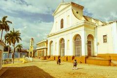 Igreja da trindade santamente Cena urbana no citysca colonial da cidade Fotos de Stock Royalty Free