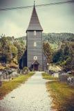 Igreja de Hamre, ilha Osteroy Noruega Foto de Stock Royalty Free