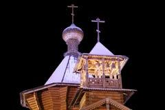 A igreja de madeira à antiga. Fotografia de Stock