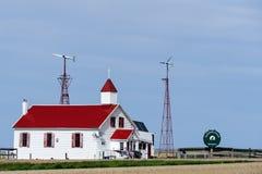 Igreja de madeira com telhado vermelho Fotografia de Stock Royalty Free