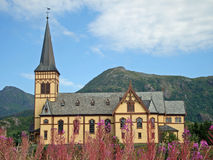 Igreja de madeira em Kabelvag - Lofoten, Noruega Imagens de Stock Royalty Free