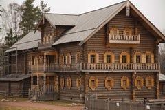 Igreja de madeira em Rússia Foto de Stock Royalty Free