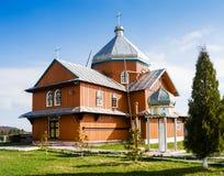 Igreja de madeira em Syanki Transcarpathia ucrânia Fotografia de Stock