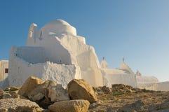 A igreja de Panagia Paraportiani, console de Mykonos Imagem de Stock