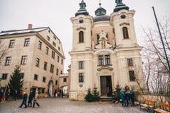 Igreja de Pfarramt Christkindl Cathloic em Steyr Áustria perto do C fotos de stock
