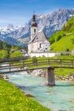 Igreja de Ramsau, terra de Nationalpark Berchtesgadener, Baviera, Alemanha Foto de Stock Royalty Free