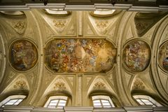 Igreja de Saint Filippo e Giacomo em Nápoles, Itália fotos de stock
