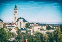 Igreja de Saint James, Kutna Hora, filtro checo, análogo fotos de stock royalty free