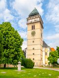 Igreja de Saint Lawrence e do monumento do cubo do açúcar, Dacice, República Checa Imagens de Stock Royalty Free