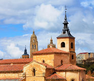 Igreja de San Milão e catedral de Segovia fotos de stock royalty free