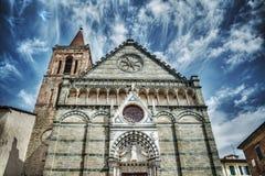 Igreja de San Paolo sob um céu dramático em Pistoia fotos de stock