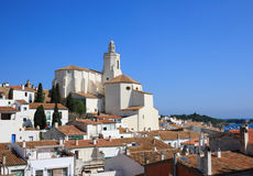 Igreja de Santa Maria (Cadaques, costela Brava, Spain) foto de stock royalty free