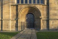 Igreja de Southwell, Southwell, Nottinghamshire, Reino Unido, em dezembro de 2018, parte dianteira ocidental da igreja de Southwe foto de stock royalty free