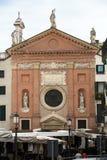 A igreja de St Clement eu papa sou uma construção religiosa medieval que negligencie os Signori do dei da praça em Pádua foto de stock