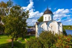 Igreja de St George, Staraya região de Ladoga, Leninegrado, Rússia fotografia de stock royalty free
