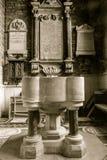 Igreja de St John Baptist Font imagem de stock royalty free