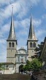 A igreja de St Leodegar ou de St Leodegar de Hofkirche na lucerna, Imagens de Stock