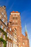 A igreja de St Mary na cidade velha de Gdansk Fotos de Stock Royalty Free