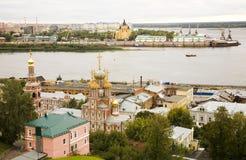 Igreja de Stroganov da opinião do nascer do sol e catedral Nevsky Imagens de Stock Royalty Free