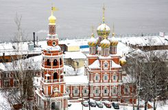 Igreja de Stroganov na neve de primeiro novembro Fotografia de Stock
