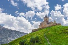 Igreja de trindade de Gergeti (Gergeti, Geórgia) Imagem de Stock Royalty Free