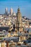 Igreja de trindade e basílica de Sacre Coeur em Montmartre Paris, France Imagem de Stock
