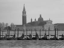 Igreja de Veneza com gôndola Imagens de Stock
