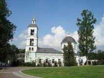 Igreja do ícone da mola animador do Virgin no parque de Tsaritsyno Imagem de Stock
