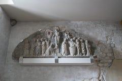 A igreja do ` Andrea Apostle de Sant em Venzone imagens de stock