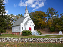 Igreja do branco de Nova Inglaterra Fotos de Stock Royalty Free