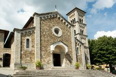 A igreja do castellina no chianti italien dentro fotografia de stock