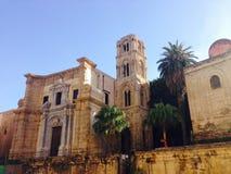 A igreja do dell'Ammiraglio ou do Martorana de Santa Maria em Palermo Sicília fotos de stock royalty free