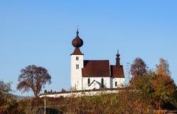 Igreja do Espírito Santo, uma construção sacral românico atrasada do século XIII, situado na vila de Zehra, Eslováquia fotografia de stock