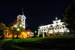 Igreja do museu do deus e do missionário da mãe, Nitra, Eslováquia, nig foto de stock