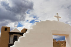 Igreja do povoado indígeno de Taos Imagens de Stock Royalty Free