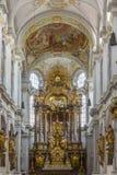 Igreja do ` s de St Peter - Munich - Alemanha imagens de stock royalty free
