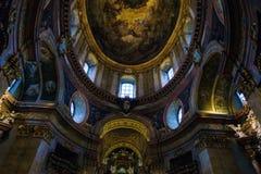 Igreja do ` s de St Peter ou interior de Peterskirche 1733, Viena, Aus Fotografia de Stock Royalty Free
