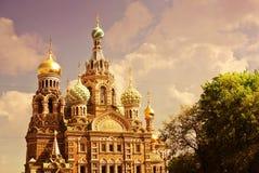 Igreja do salvador no sangue Spilled ou catedral da ressurreição de Cristo no por do sol, St Petersburg, Rússia Imagem de Stock