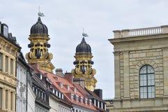 Igreja do St. Cajetan e palácio de Residenz Fotos de Stock Royalty Free