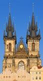 Igreja do Virgin Maria antes de Tyn em Praga imagens de stock