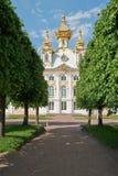 A igreja em Peterhof Imagens de Stock