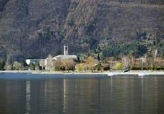 Igreja em um lago Imagem de Stock Royalty Free