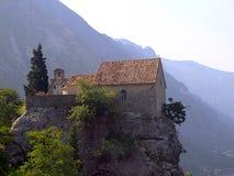 Igreja em uma rocha Imagem de Stock Royalty Free